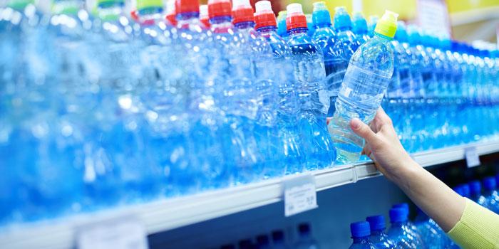 大手スーパーでシリカ水が販売されているのか