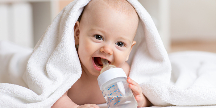 赤ちゃんのミルク作り