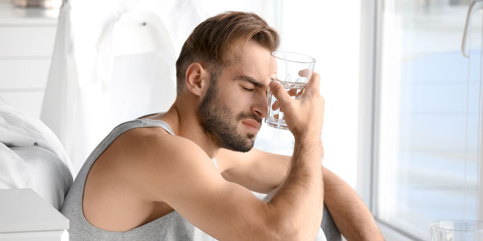 水 飲み過ぎ 死亡 水中毒